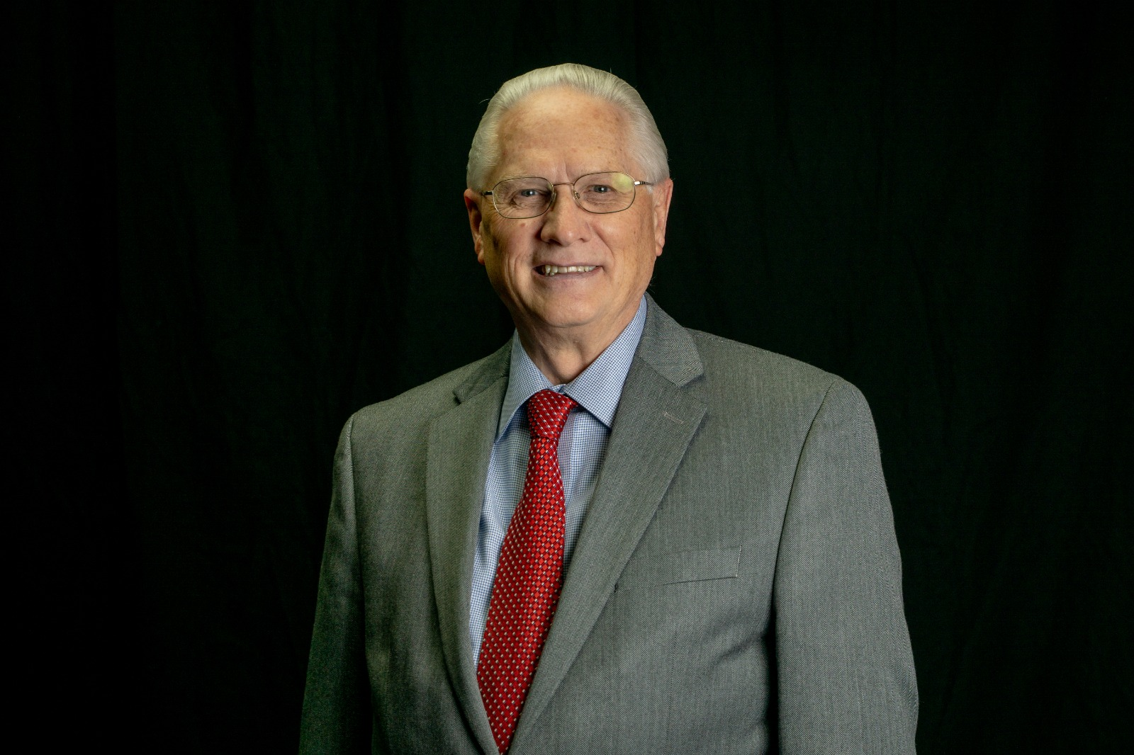 Dary Crossley<br><strong>Pastor administrativo</strong>
